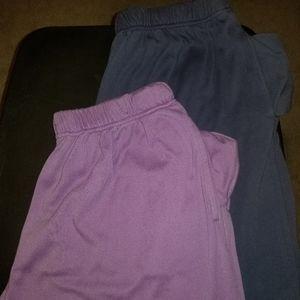 Womans Capri - 2 pairs